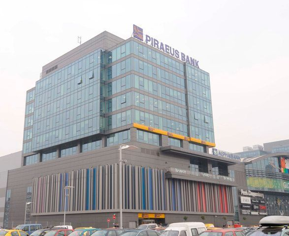 piraeus-bank-office